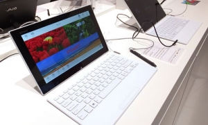 Sony VAIO Tap 11 (SVT11213CXB) - review and specs of the budgetary hybrid laptop